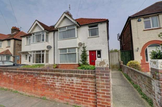 4 Bedrooms Semi Detached House for sale in Woodgate Road, Eastbourne, BN22
