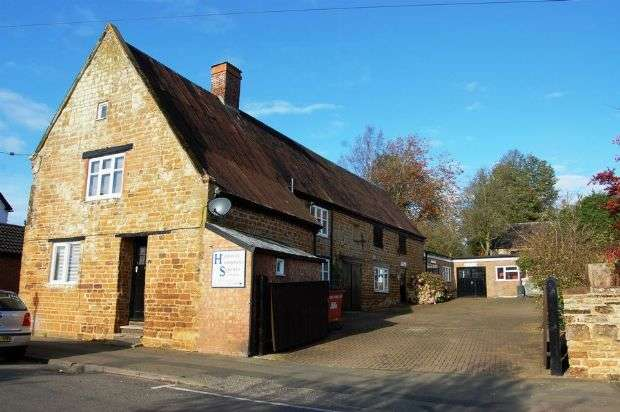 3 Bedrooms Commercial Property for sale in High Street, Ravensthorpe, Northampton NN6 8EH