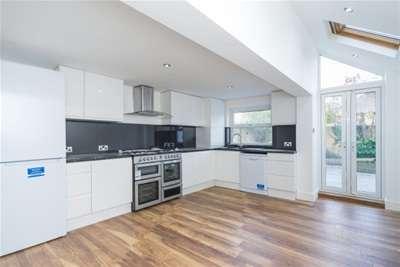 4 Bedrooms Terraced House for rent in Church Road, Teddington, TW11