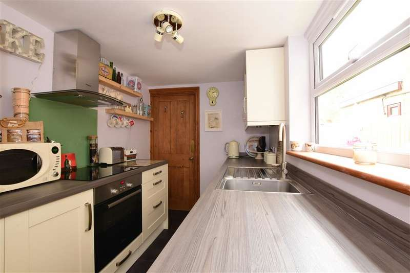 3 Bedrooms Semi Detached House for sale in Ongar Road, Brentwood, Essex