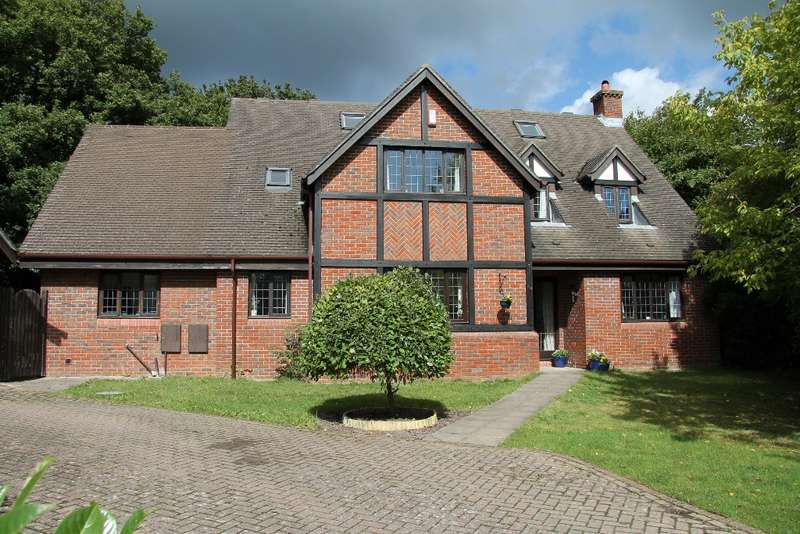 4 Bedrooms Detached House for rent in Brooklynn Close, Waltham Chase