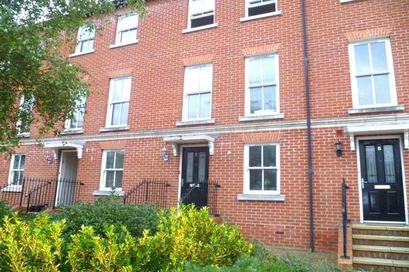 3 Bedrooms Property for rent in Surrey Street, Littlehampton, BN17