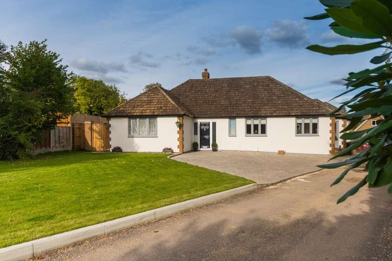4 Bedrooms Detached Bungalow for sale in Church Grove, Wexham, SL3