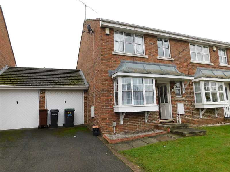 3 Bedrooms Semi Detached House for rent in Damigos Road, Gravesend