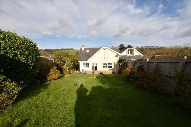 4 Bedrooms Semi Detached Bungalow for sale in St Marys Park, Paignton, Devon