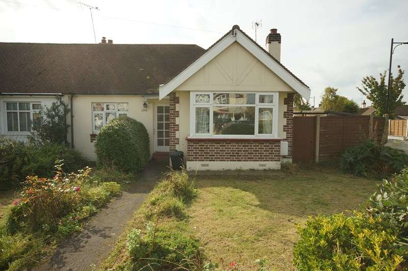 2 Bedrooms Semi Detached Bungalow for sale in Eastwood Road North, Leigh-On-Sea