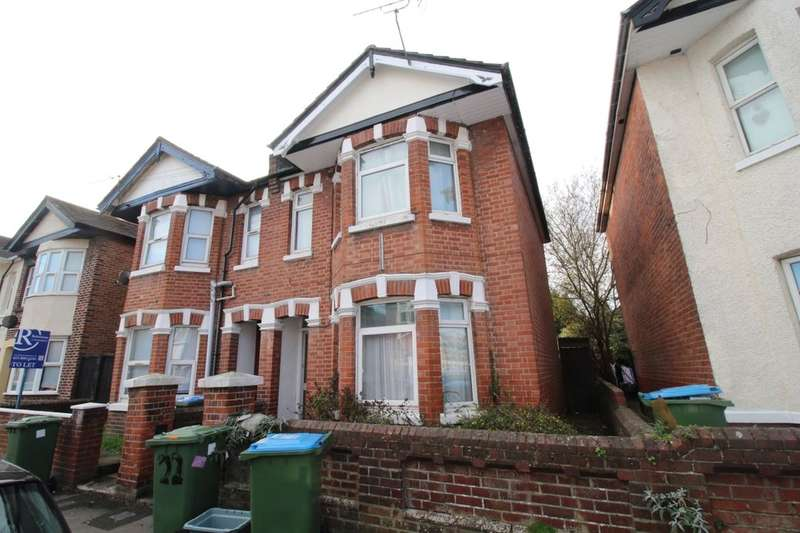 5 Bedrooms Property for rent in Coventry Road, Southampton, SO15