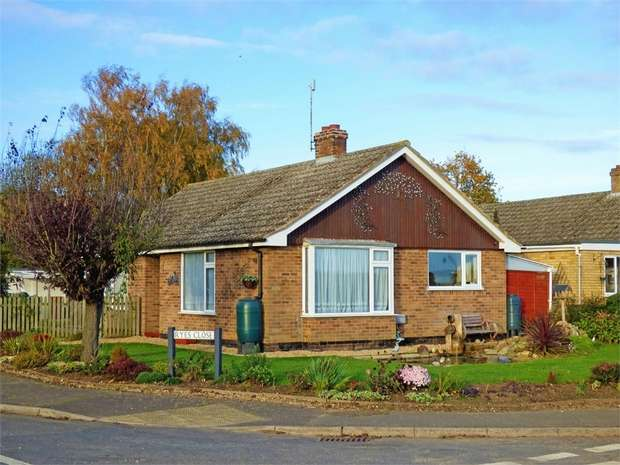 2 Bedrooms Detached Bungalow for sale in Rye Close, Shouldham, King's Lynn, Norfolk