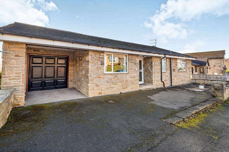 4 Bedrooms Detached House for sale in Carr Lane, Riddlesden, Keighley, BD20