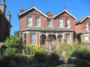 4 Bedrooms Detached House for sale in Gorringe Road, Eastbourne, East Sussex