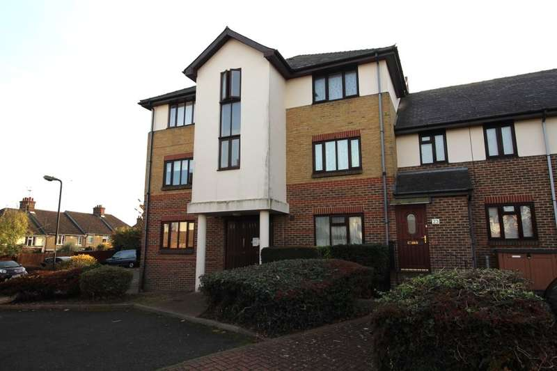 1 Bedroom Flat for sale in Semple Gardens, Chatham, ME4