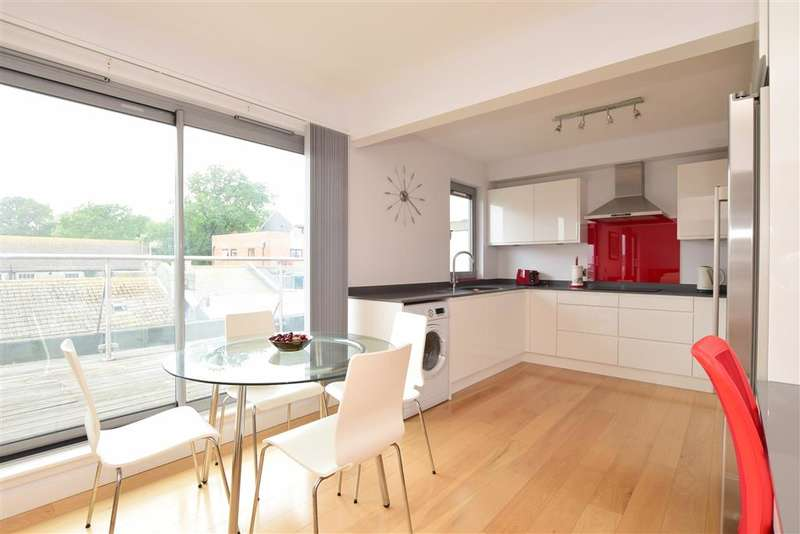 2 Bedrooms Apartment Flat for sale in Queens Road, Brighton, East Sussex