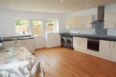 3 Bedrooms Bungalow for rent in Barton Road, Thurston