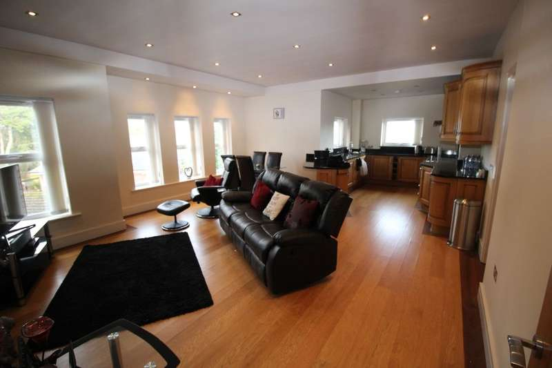 3 Bedrooms Flat for rent in Victoria Road, Formby, Liverpool, L37