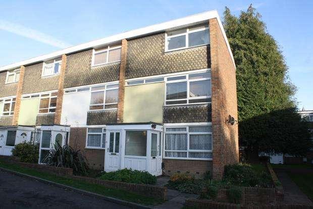 2 Bedrooms Maisonette Flat for sale in Woking, Surrey