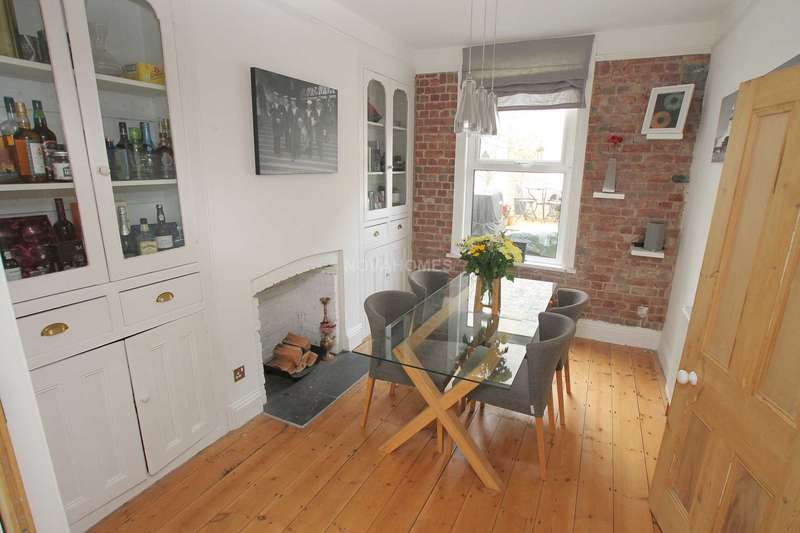 3 Bedrooms Terraced House for sale in Onslow Road, Peverell, PL2 3QG