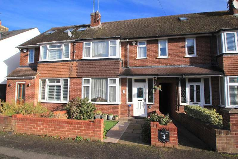 2 Bedrooms Terraced House for sale in Willoughby Road, Harpenden, Herts, AL5 4PF
