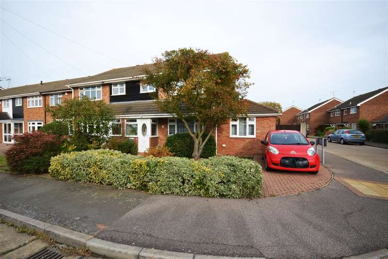 4 Bedrooms Semi Detached House for sale in Beechcroft Avenue, Linford