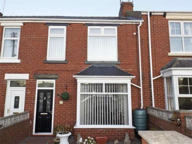 3 Bedrooms Terraced House for sale in Queen Street, Seaham, Durham