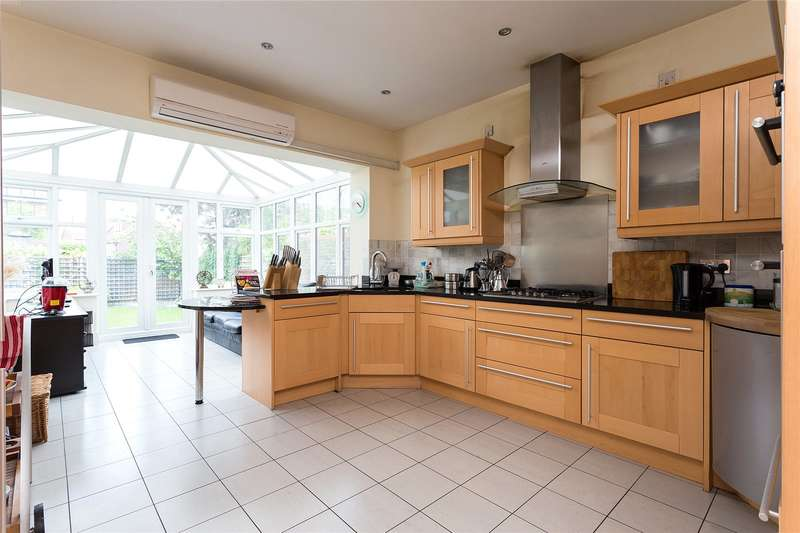 6 Bedrooms Detached House for sale in Claudius Close, Stanmore, Middlesex, HA7