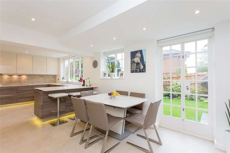 4 Bedrooms Detached House for sale in Heriots Close, Stanmore, Middlesex, HA7