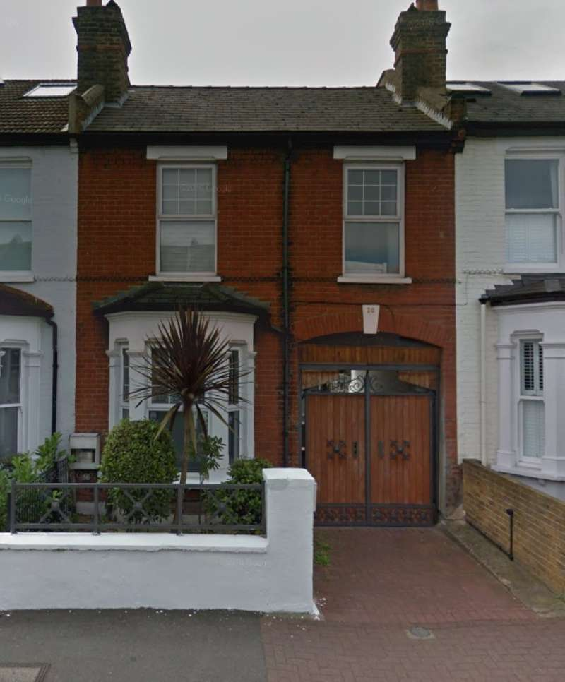 4 Bedrooms Terraced House for sale in Harberson Road, Balham, London, SW12 9QW