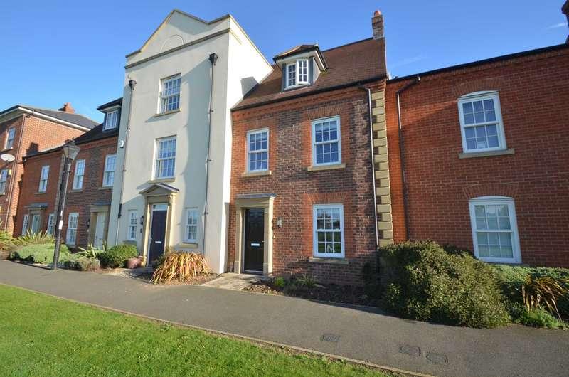 3 Bedrooms Terraced House for sale in Greenkeepers Road, Great Denham