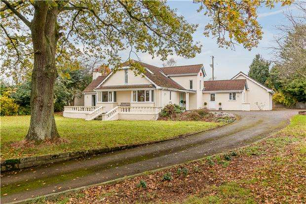 5 Bedrooms Detached House for sale in Stanton Road, Chew Magna, Bristol, BS40 8RU