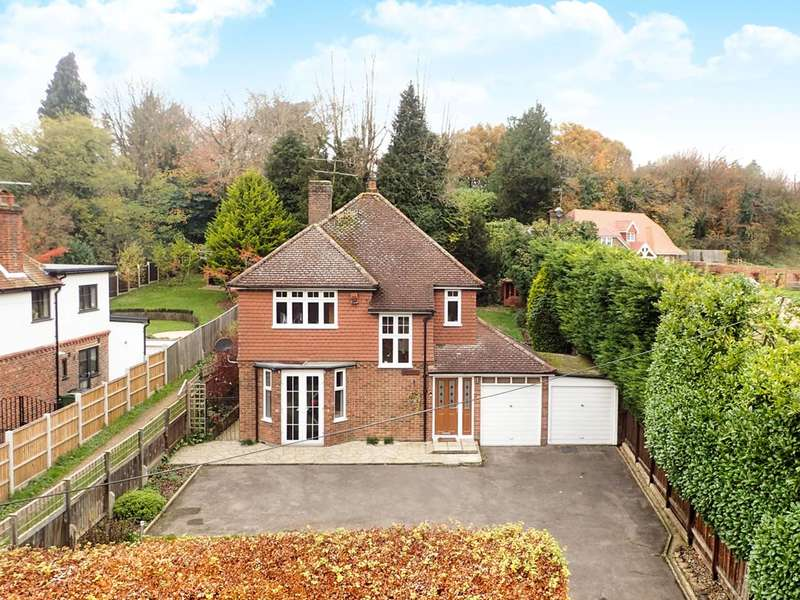 3 Bedrooms Detached House for sale in Guildford, Gomshall, GU5