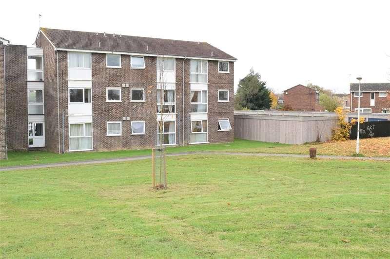 1 Bedroom Flat for sale in Cornflower Drive, Springfield, Chelmsford