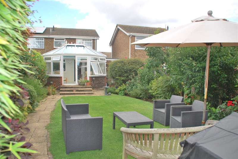 3 Bedrooms Semi Detached House for sale in KINGSHILL DRIVE, HOO ST WERBURGH