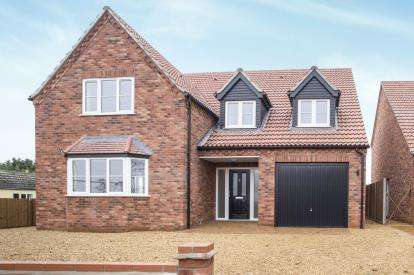 4 Bedrooms Detached House for sale in Barroway Drove, Downham Market