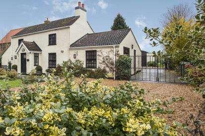 3 Bedrooms Detached House for sale in Terrington St Clement, Kings Lynn, Norfolk