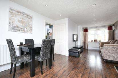 3 Bedrooms House for sale in Hilldrop Road, Bromley