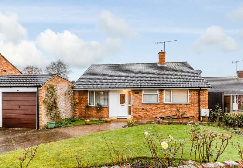 2 Bedrooms Detached Bungalow for sale in Ottershaw