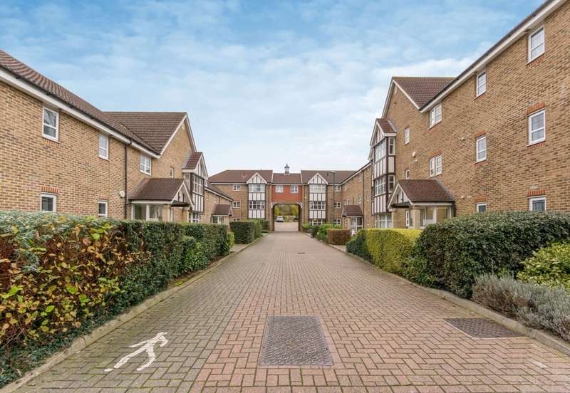 2 Bedrooms Flat for sale in Sandpiper Road, West Sutton, SM1