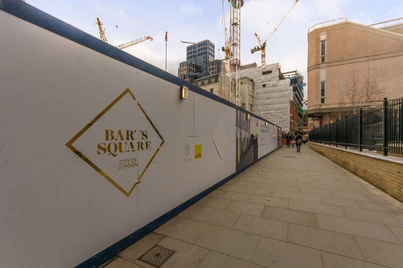 3 Bedrooms Flat for sale in Barts Square, Farringdon, EC1A
