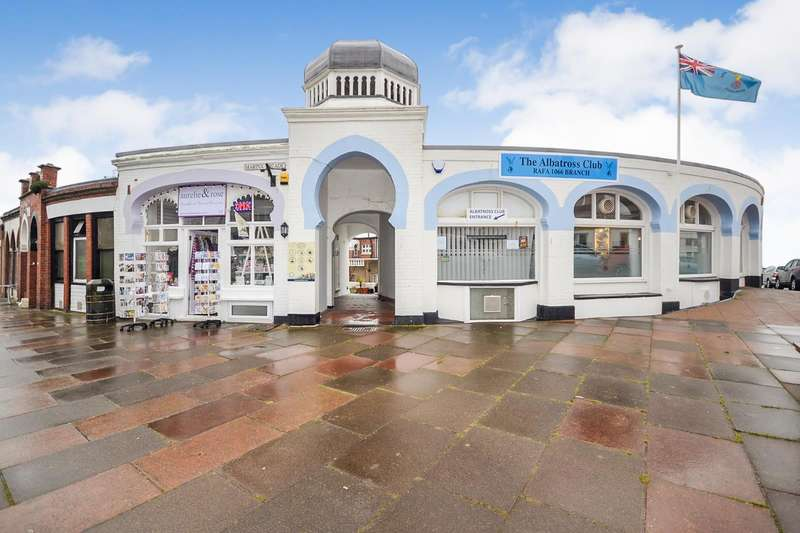 1 Bedroom Flat for sale in and 14a Marina Arcade, Bexhill On Sea, TN40