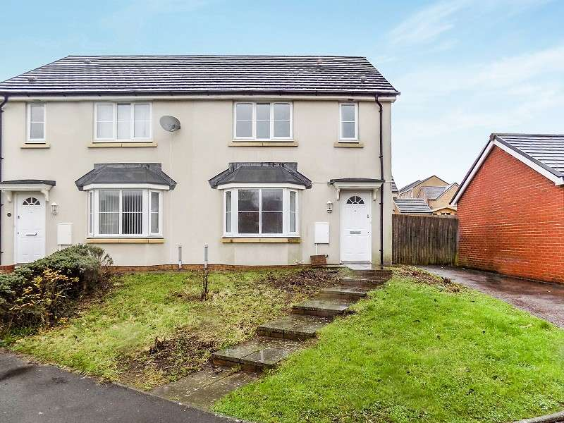 3 Bedrooms Semi Detached House for sale in Heol Y Plorin Road, North Cornelly, Bridgend. CF33 4PZ