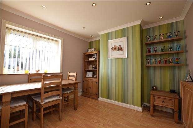 3 Bedrooms Semi Detached House for sale in New Fosseway Road, Hengrove, Bristol BS14 9LJ