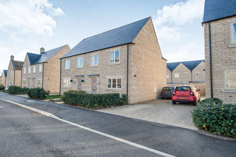3 Bedrooms Semi Detached House for sale in Jacobs Piece, Fairford