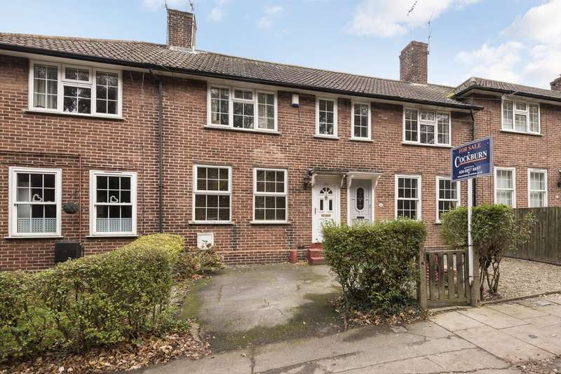 3 Bedrooms Terraced House for sale in Court Farm Road, London