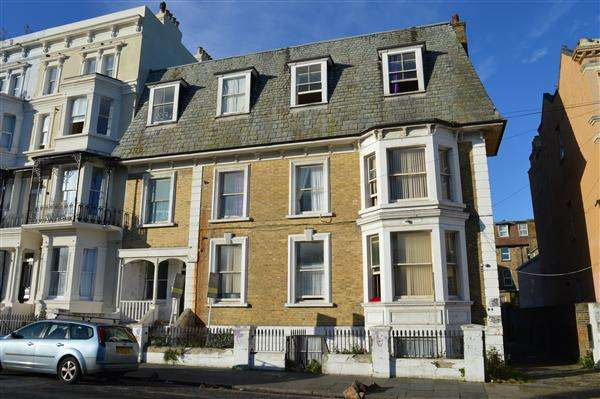 24 Bedrooms End Of Terrace House for sale in Dalby Square, Margate
