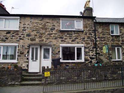 2 Bedrooms Terraced House for sale in High Street, Penmaenmawr, Conwy, LL34