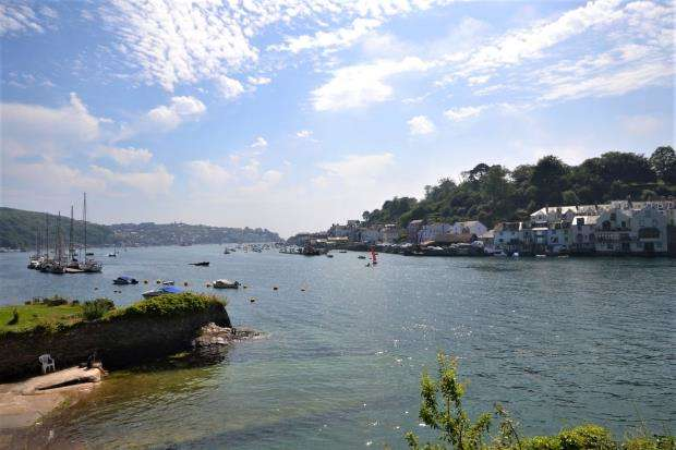 2 Bedrooms Flat for sale in Fowey Landing, Station Road, Fowey, Cornwall