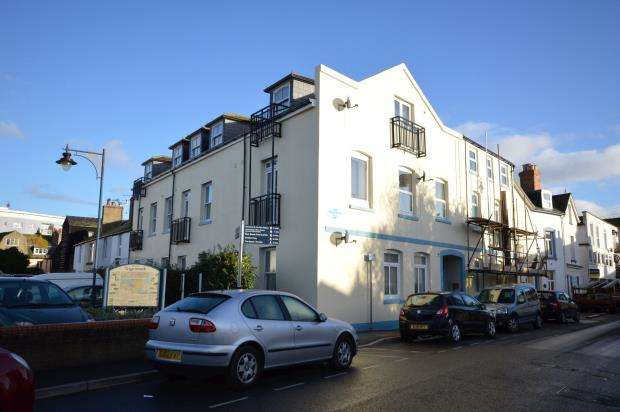 2 Bedrooms Flat for sale in Wedgwood Court, Somerset Place, Teignmouth, Devon