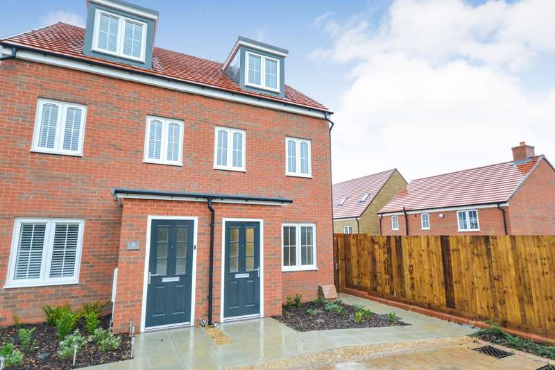 3 Bedrooms House for rent in White Clover Close, Stone Cross, BN24