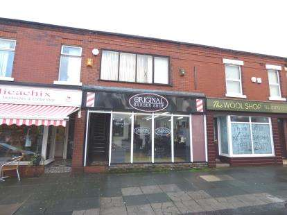3 Bedrooms Flat for sale in Woodplumpton Road, Ashton, Preston, Lancashire