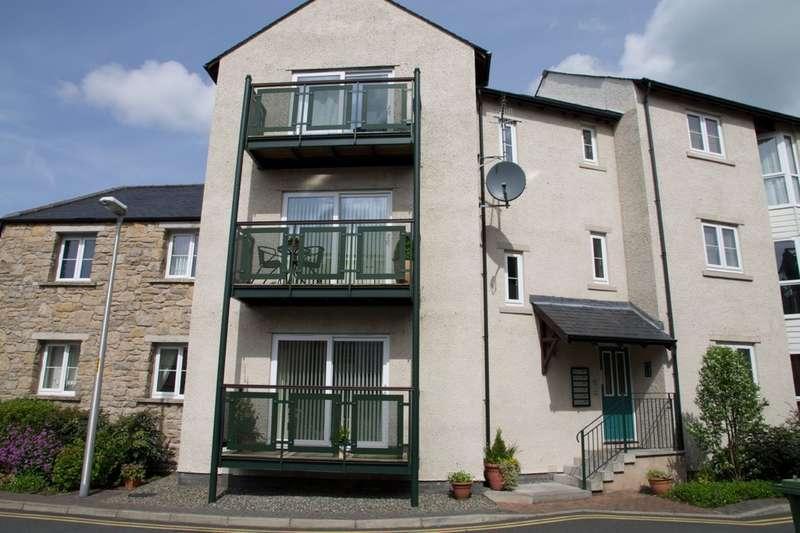 2 Bedrooms Flat for sale in 4 Drysalters Yard, Kendal, Cumbria LA9 6DB