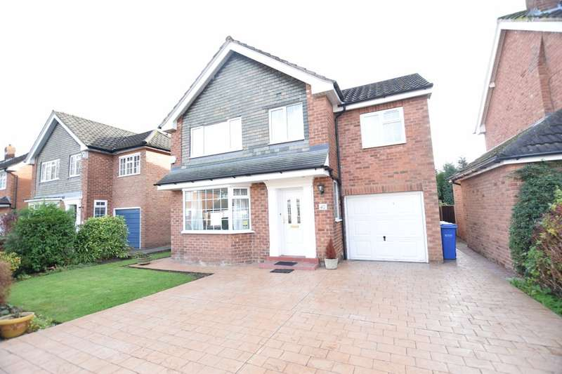 4 Bedrooms Detached House for rent in Marlborough Avenue, Cheadle Hulme, Cheadle